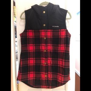 Columbia women's plaid fleece hooded vest